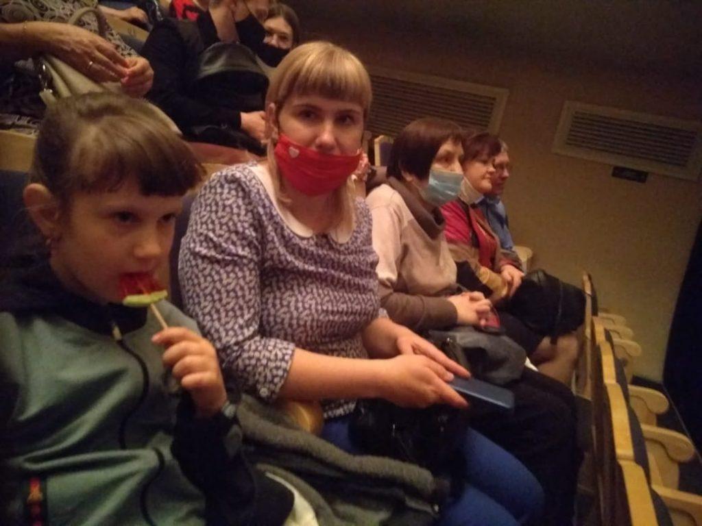 «Беда от нежного сердца» -посещение театра в г. Бийске (1)