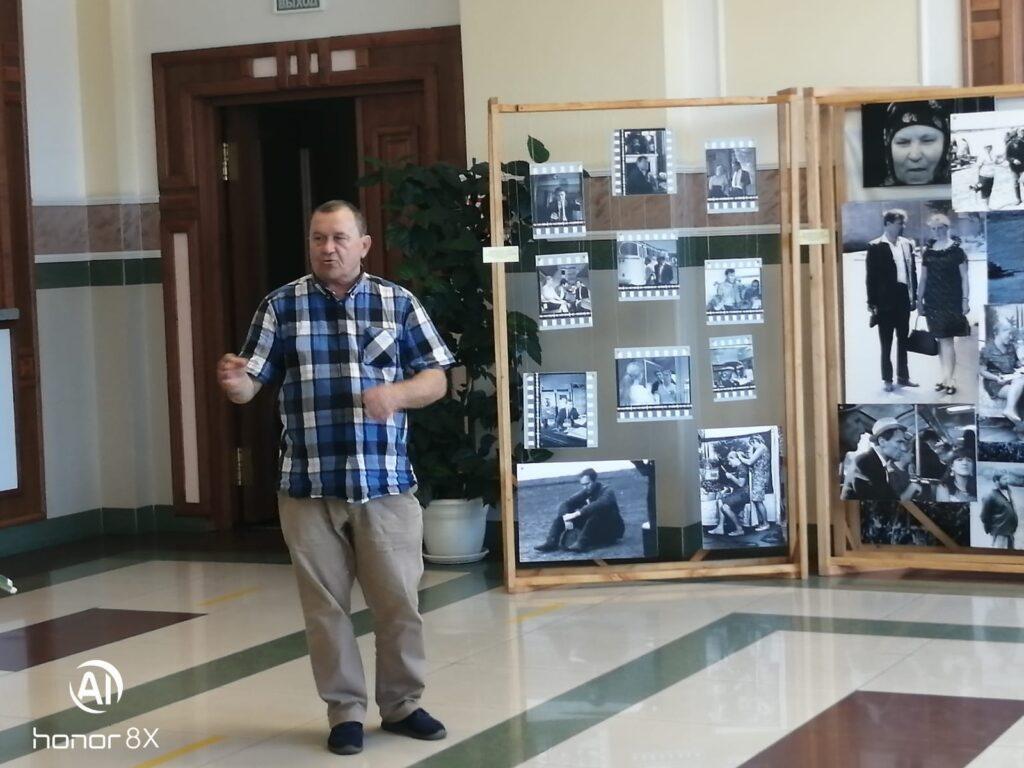Экскурсия по выставке «Печки-лавочки» 50 лет спустя…» в г. Бийске