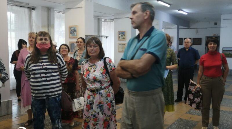 Посещение выставки А.К. Крылова в г. Бийске