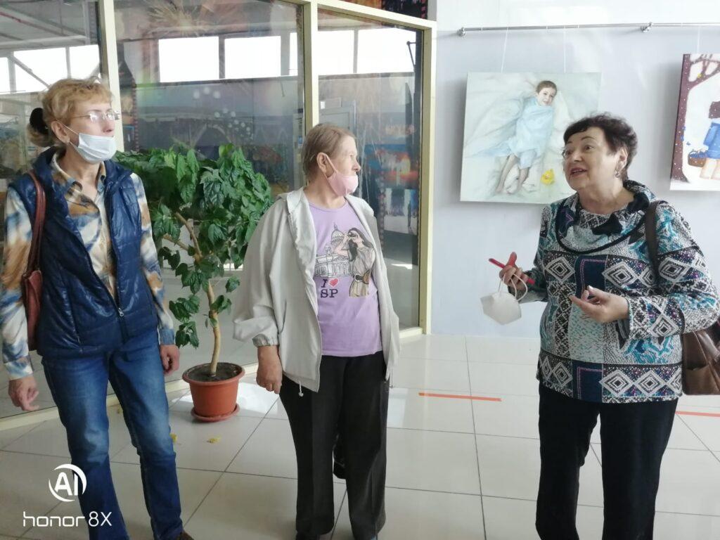 Специалисты представительства АКОО «Вместе против рака» в Бийске организовали посещение выставки «Ангелы Мира»